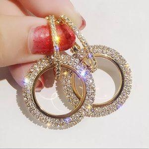 Jewelry - 💎Gold diamond like earrings💎